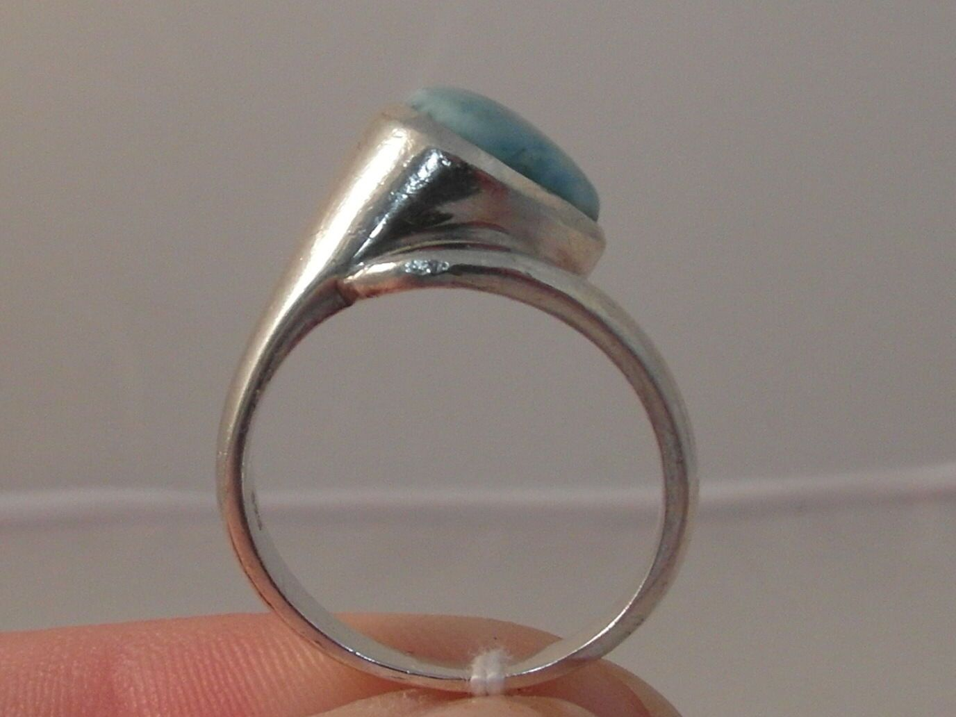 864f Ladies Sterling Silver Turquoise Solitaire Ring Size